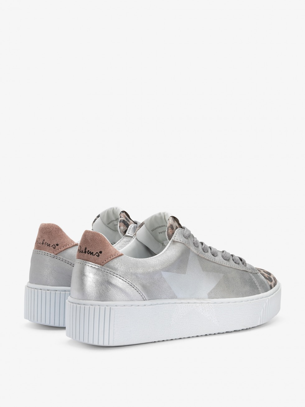 Cosmopolitan Pink Leo Sneakers - Star