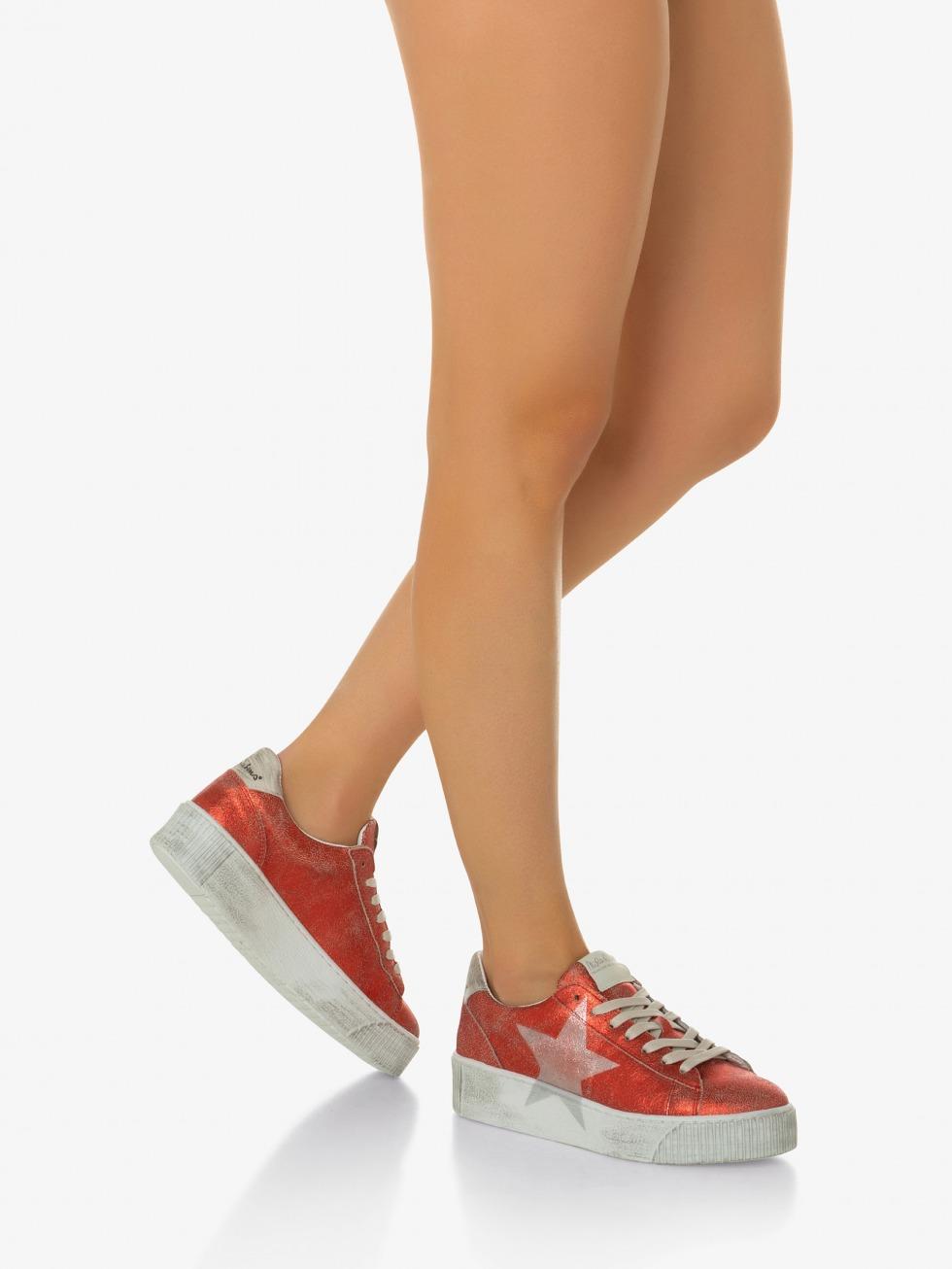 Cosmopolitan Vintage Red Sneakers - Star