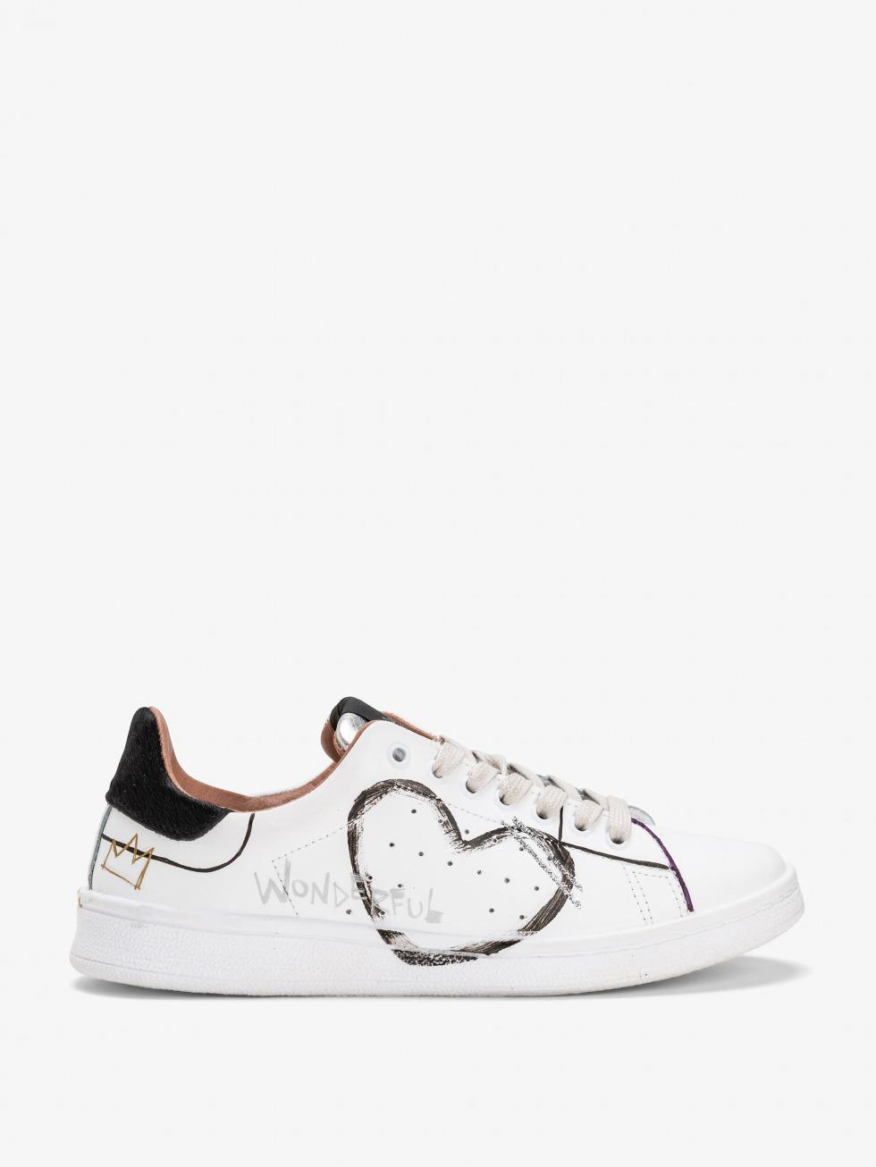 Daiquiri Sneakers - Black Writer Heart