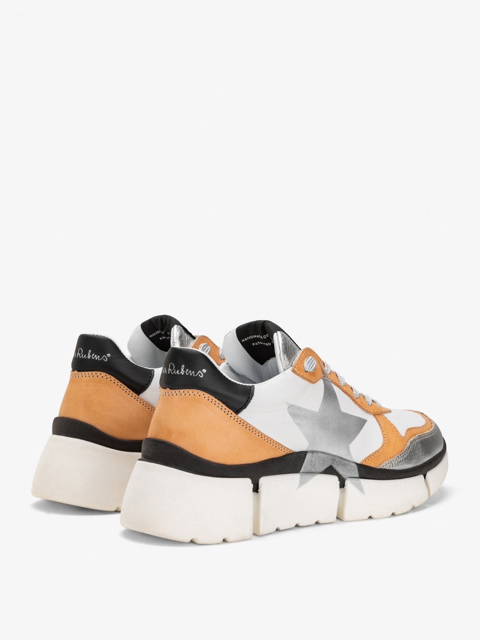 Class Camel Stinger Chunky Sneakers - Star