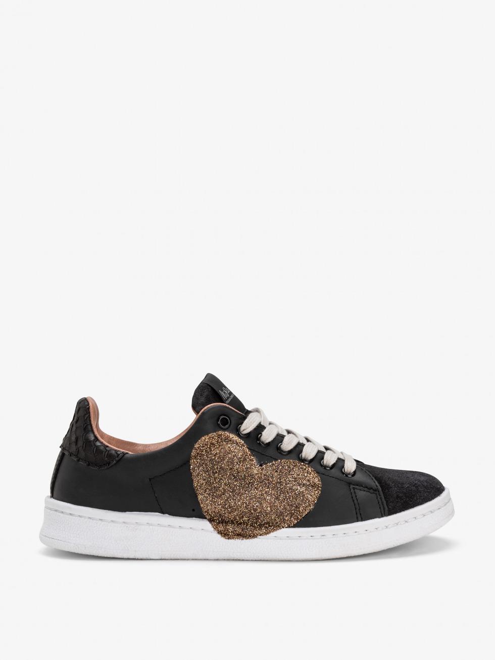 Daiquiri Boa Black Sneakers - Glitter Heart