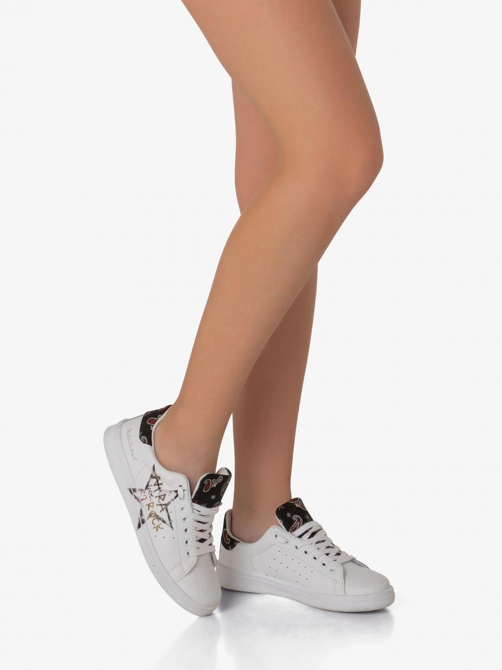 Daiquiri Sneakers - Black Rock Heart
