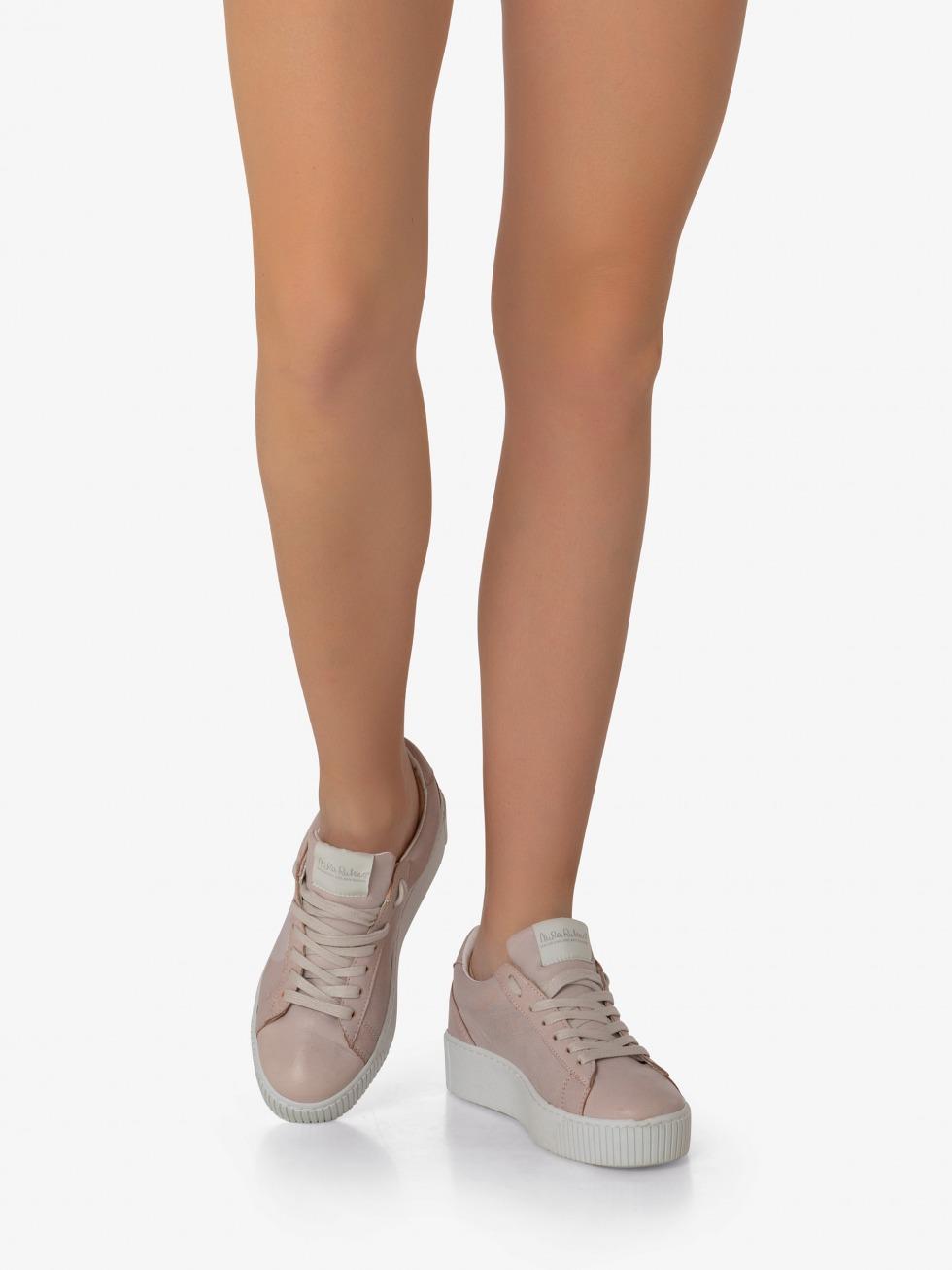 Cosmopolitan Sneakers - Taffy Heart