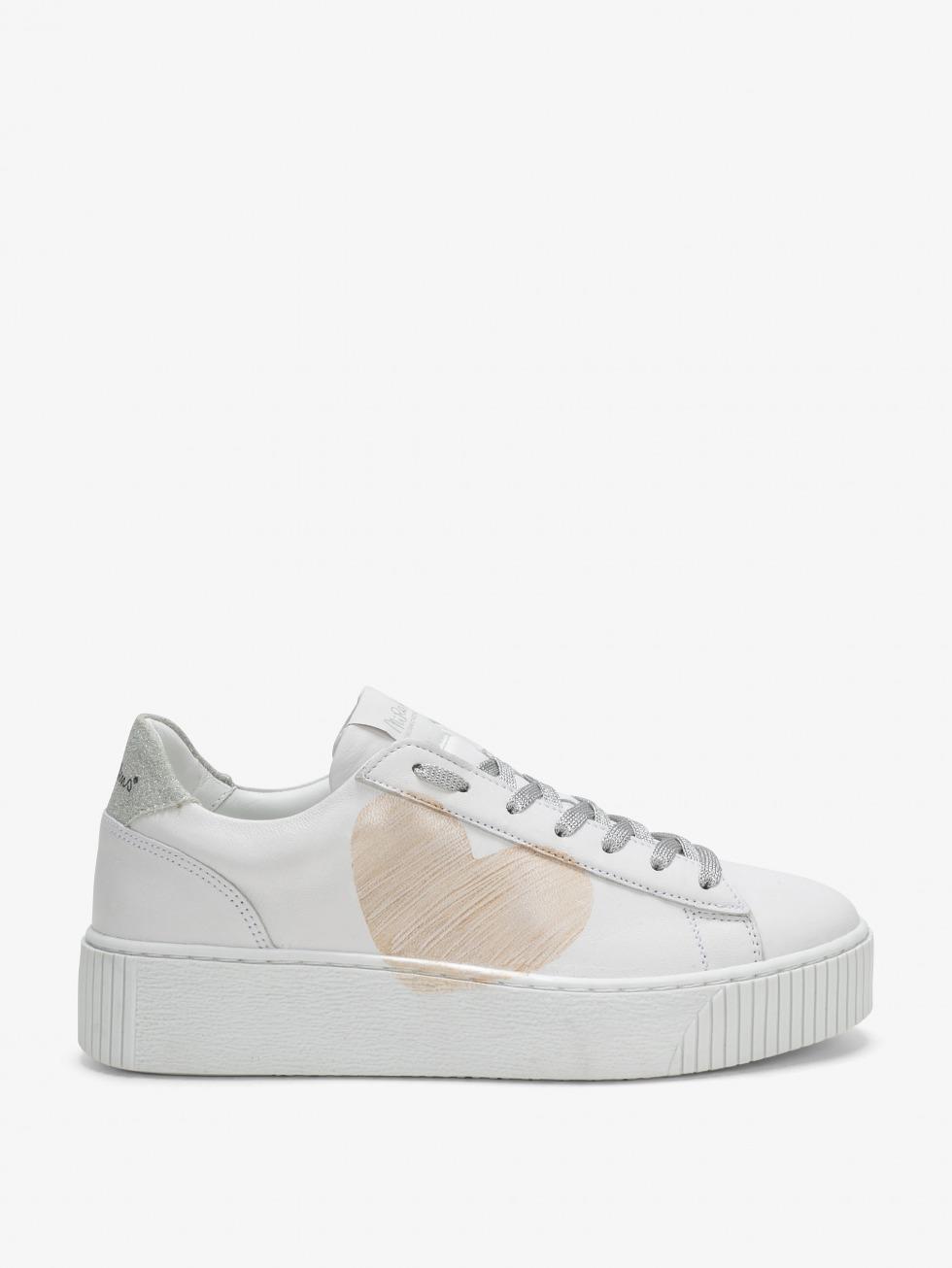 Cosmopolitan Sneakers Luxury Silver - Heart