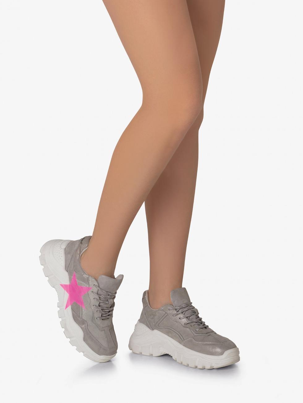 Aviations Chunky Sneakers - Stardust Neon Fuchsia Star