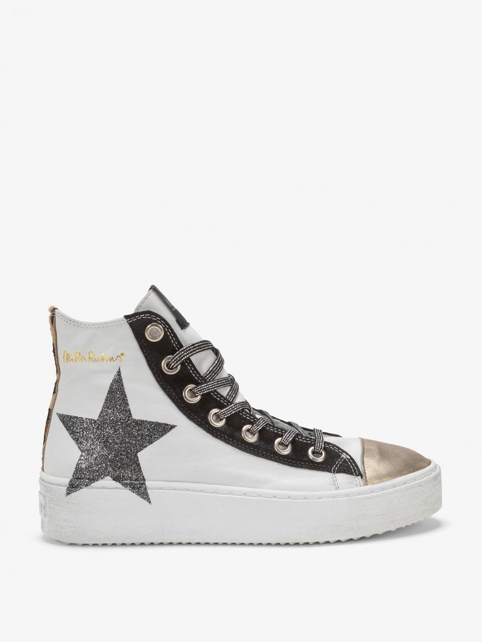 Long Island Sneakers - Gold Leo Glitter Star