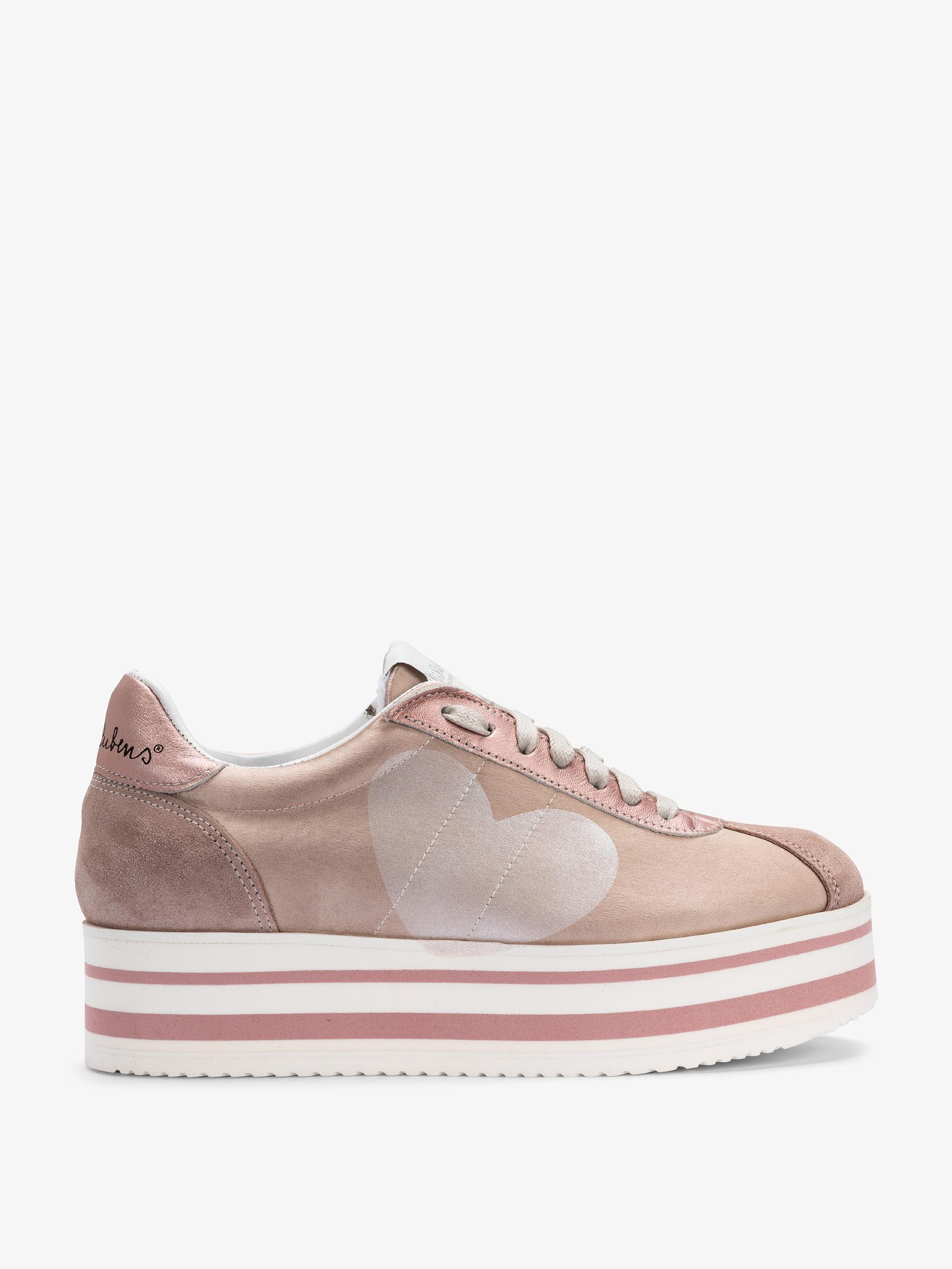 competitive price 06266 d1c18 Sneakers con zeppa - Crea il tuo look streetstyle anni 90!